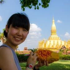 ラオス仏教 最高の寺院でカービングパフォーマンス!!